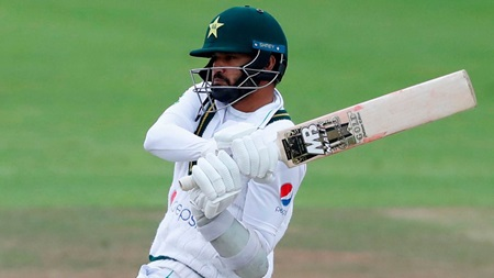 Azhar's stirring century helps Pakistan keep England at bay