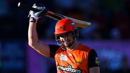 Livingstone goes large to punish Sixers with rapid knock