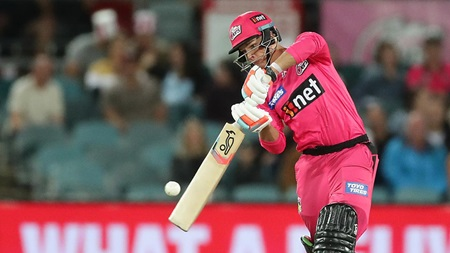 Philippe flays the Scorchers attack in Canberra