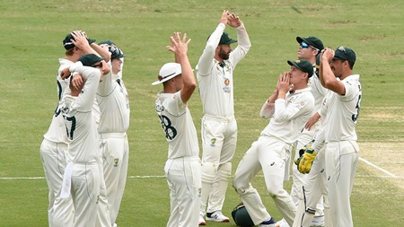 Australia left stunned by DRS verdict