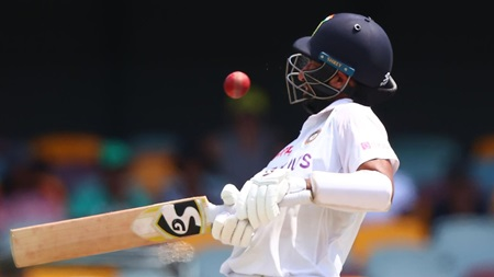 Courageous Pujara cops brutal blows on day five