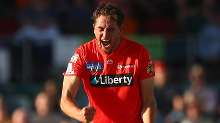 All of Peter Hatzoglou's BBL|10 wickets (so far)