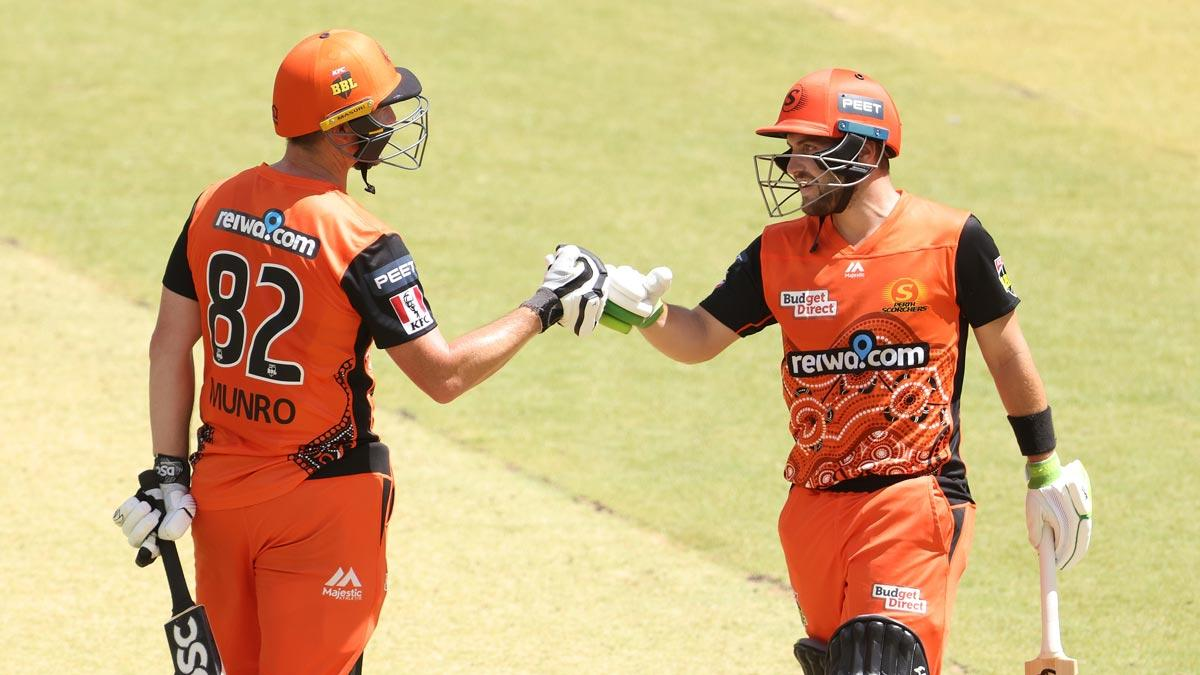 Inglis, Munro combine for sizzling century stand