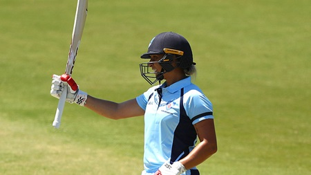 Gardner scores important 61 to propel Breakers