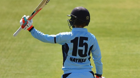 Haynes strokes crucial fifty against stacked Vic attack