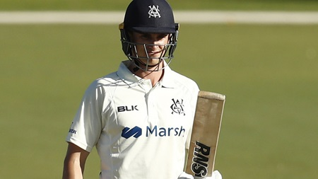 Seymour off the mark with six in debut half-century