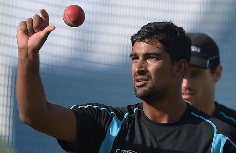 Ish Sodhi putting the heat on Mark Craig