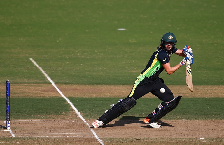 White-Ferns-cruise-past-Southern-Stars-still