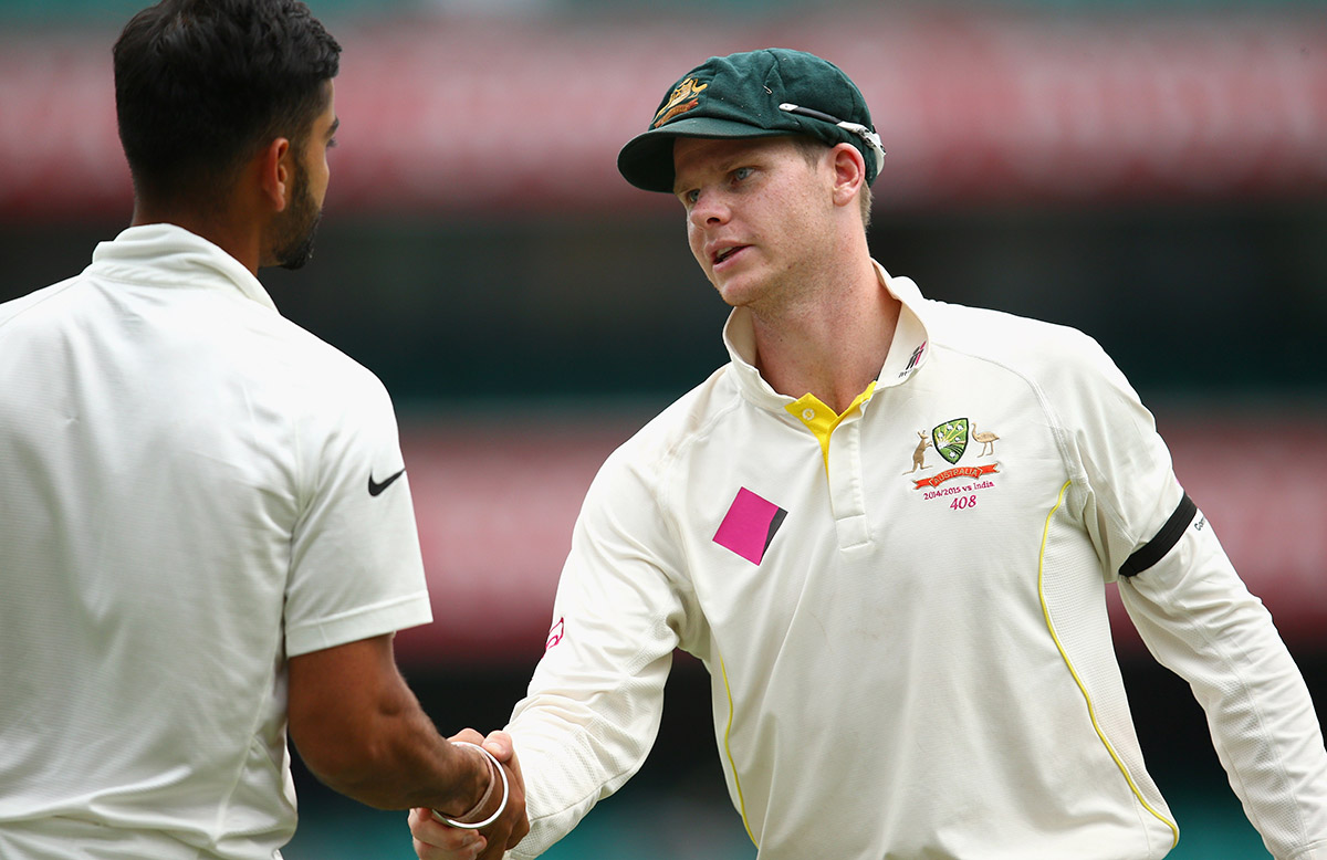 Virat Kohli and Steve Smith shake hands at the SCG // Getty Images