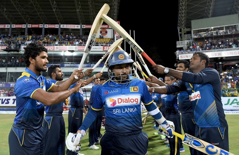 Dilshan-signs-off-a-Sri-Lankan-legend-still