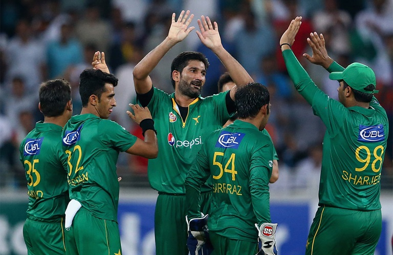 Pakistan-blast---and-dab---their-way-to-victory-still
