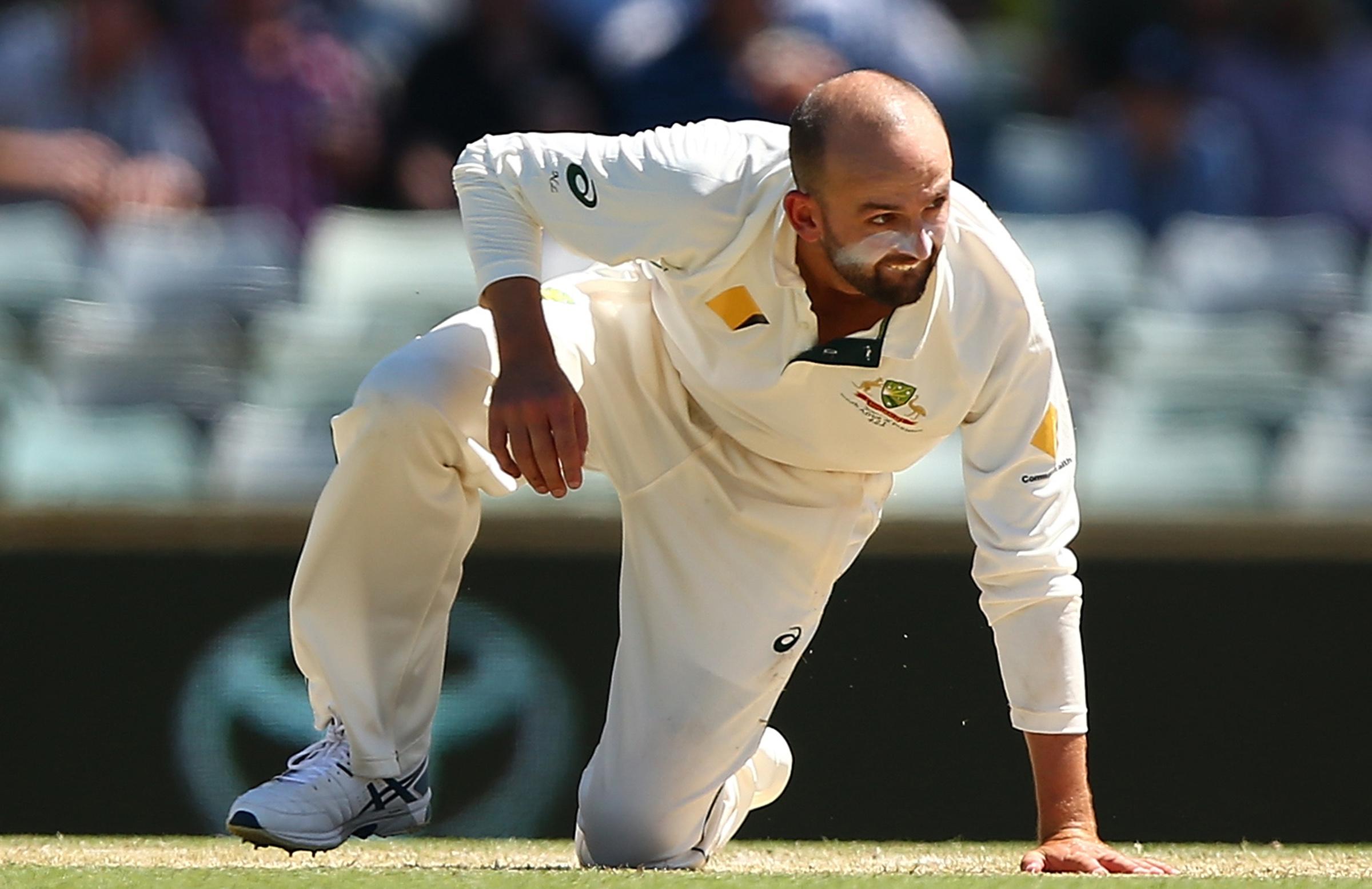 Perth Test: South Africa push lead past 500 against Australia