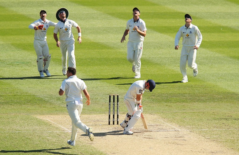 Handscomb-makes-statement-with-215-still