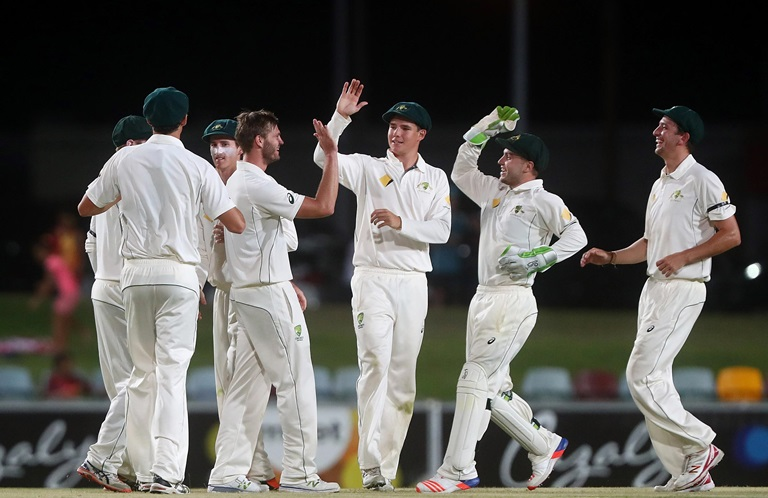 Extended-highlights-Pakistan-nervy-again-under-lights-still