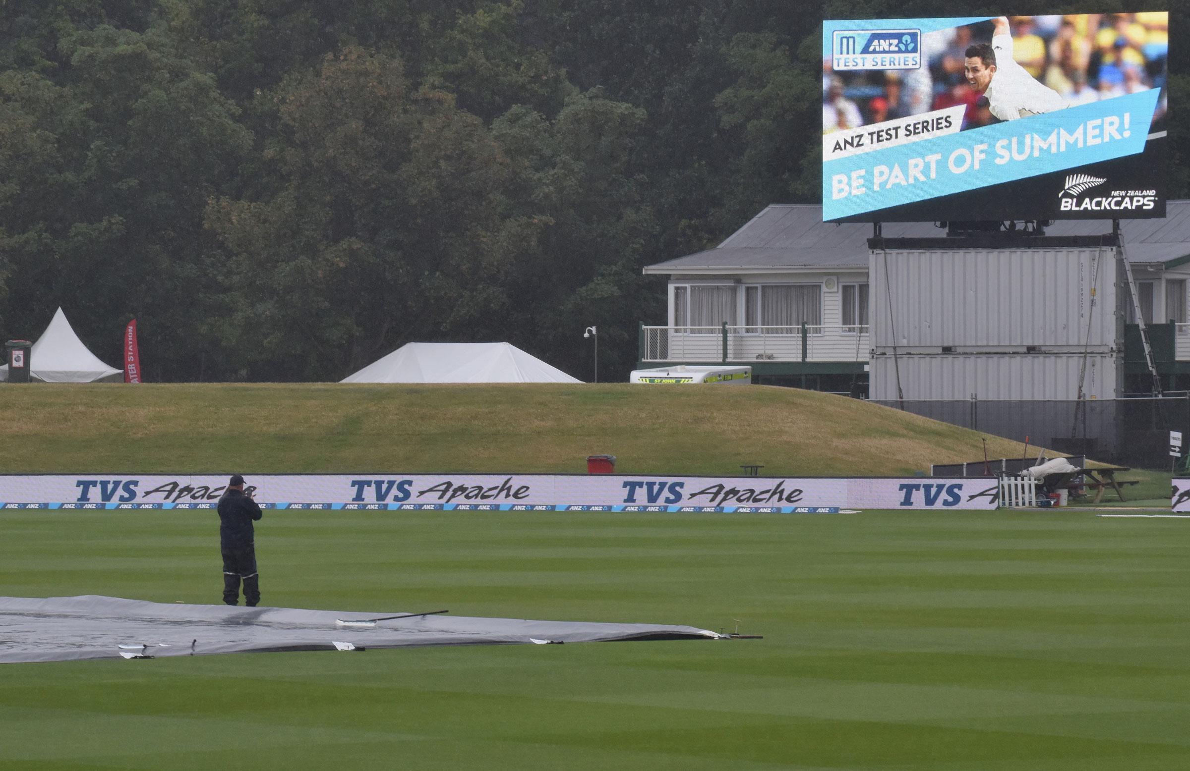 mcc laws of cricket 2017 pdf