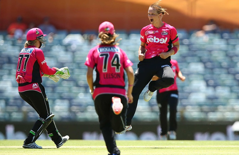 Quick-Wrap-Sixers-claim-WBBL02-title-still
