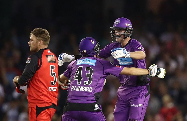 Hurricanes-hold-nerve-in-thrilling-final-over-still