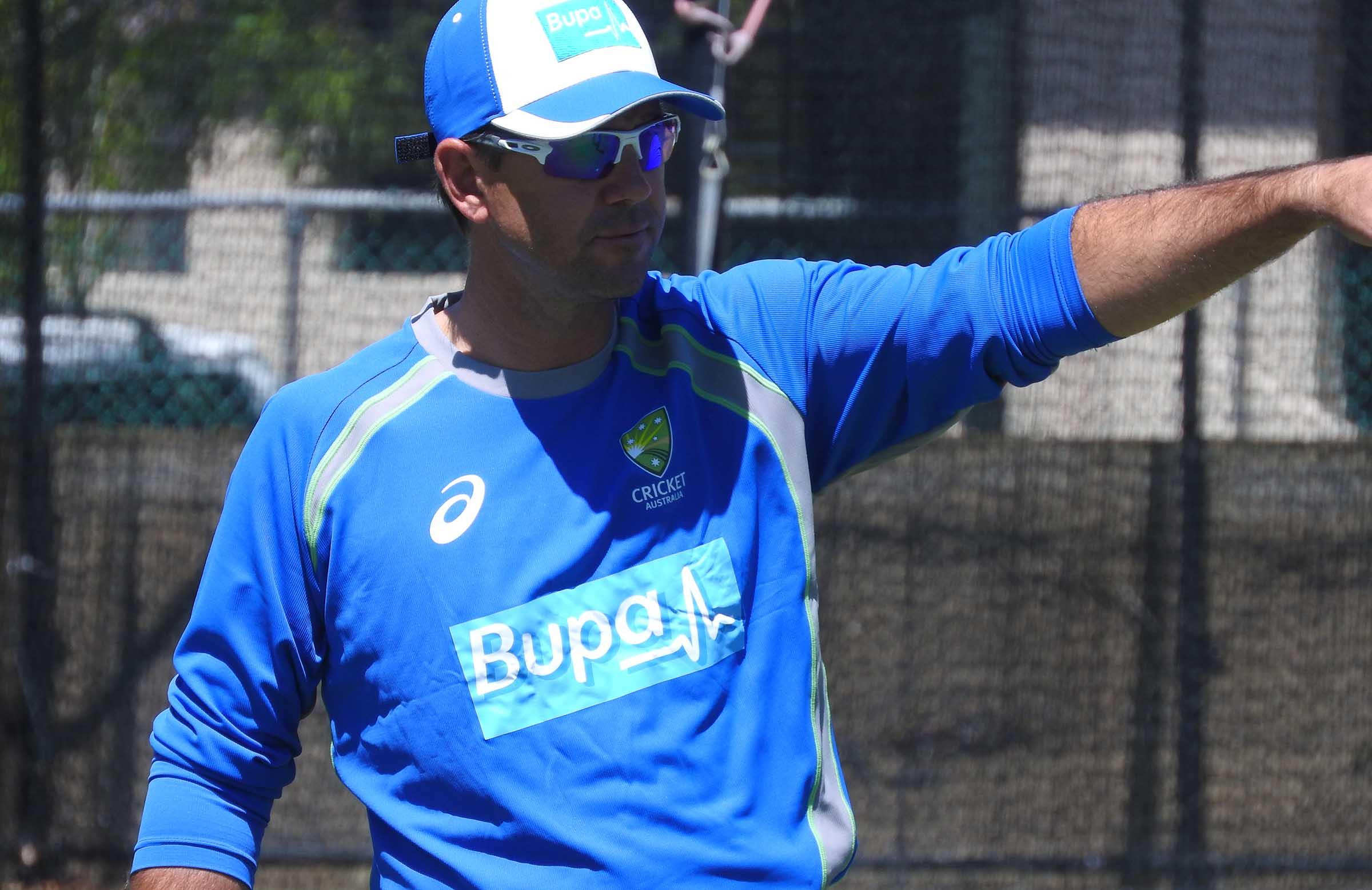 Sri Lanka bowl; Malinga returns, Sanjaya makes debut