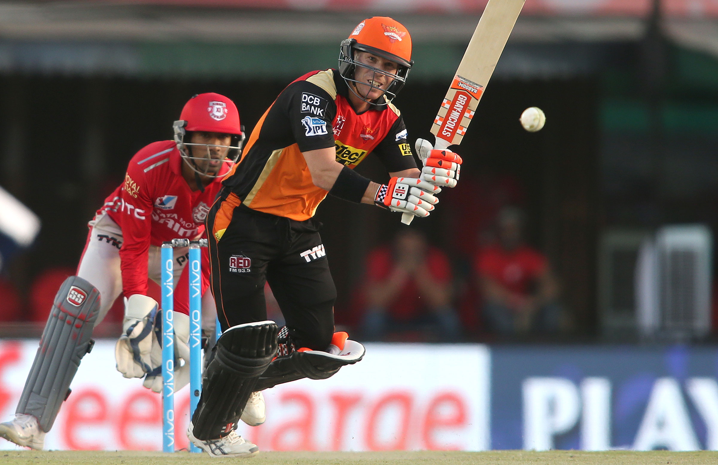 Chase pays off as Mumbai beats Sunrisers in IPL by 4 wickets