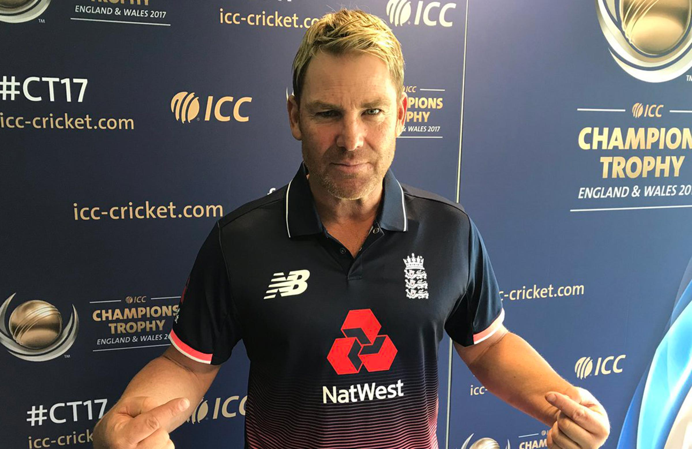 Champions Trophy: Shane Warne Shows Off England Jersey!