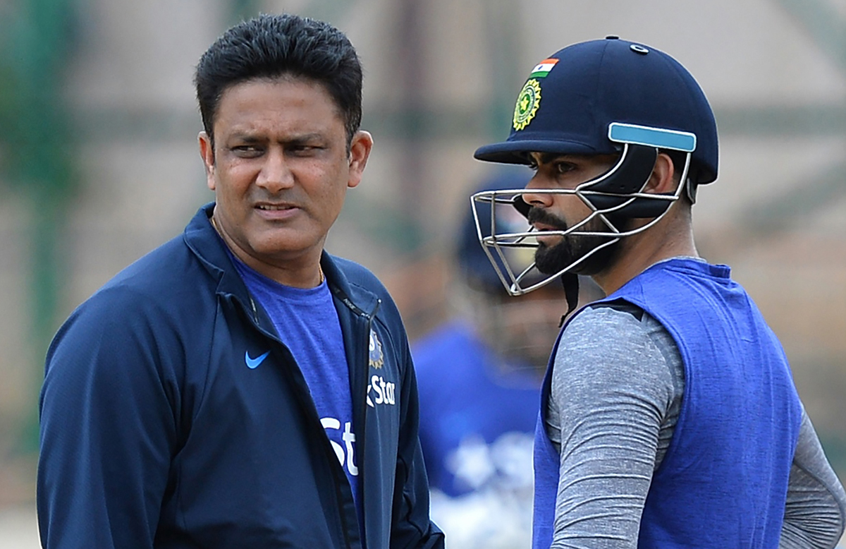 India coach Anil Kumble with the team