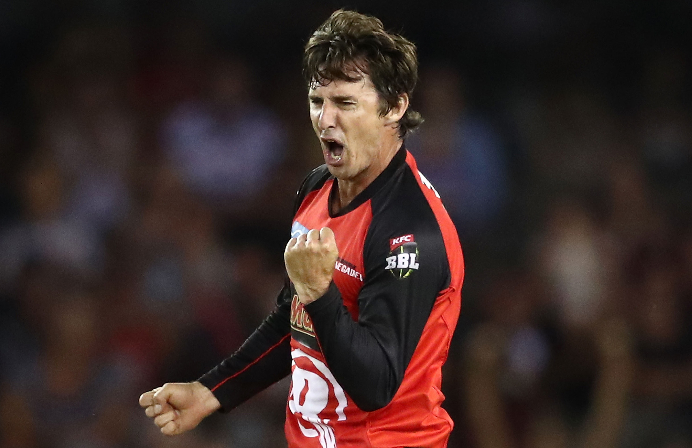 Bradd Hogg resigns for the Melbourne Renegades