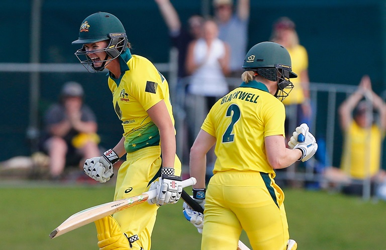 Match-wrap-Aussies-prevail-in-tense-Ashes-opener-still