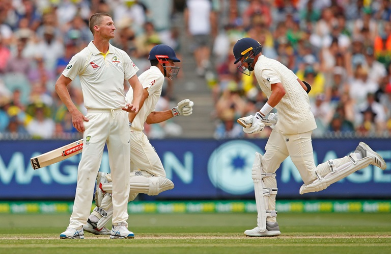 Lehmann-reflects-on-a-tough-day-for-Australia-still