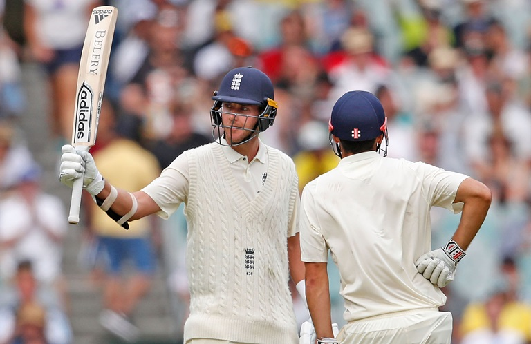 Broad-adds-to-Aussie-frustration-with-fifty-still