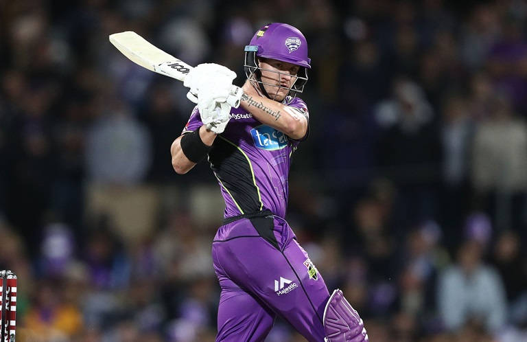 Short-smashes-BBL-record-with-half-century-still