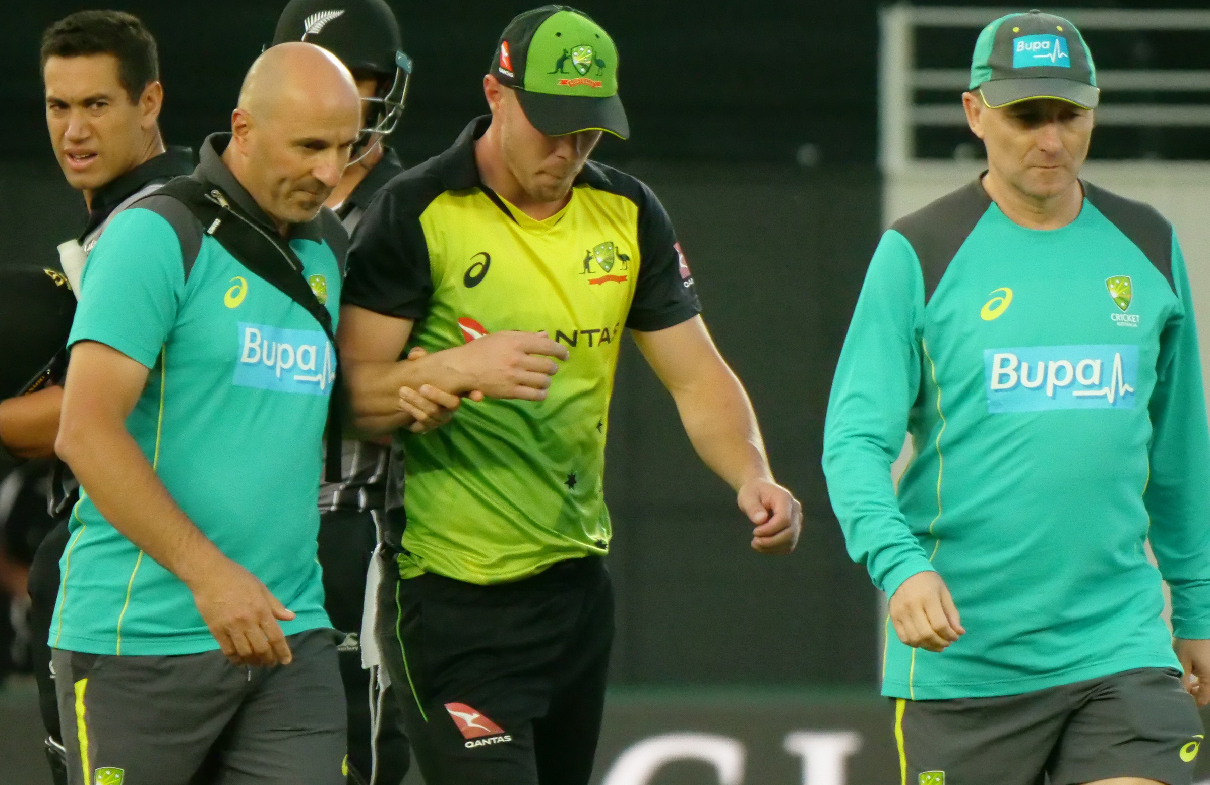 Lynn was taken off the field by the medical staff. (Cricket Australia)