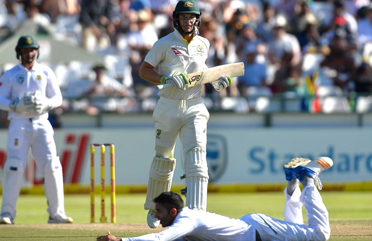 Day-Wrap-Morkel-fires-with-Test-in-the-balance-still