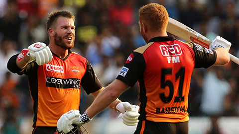 Ashes rivals produce IPL blitz