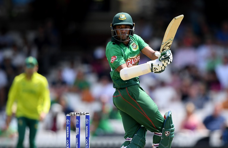 Shakib Al Hasan spends time in the middle against South Africa // Getty