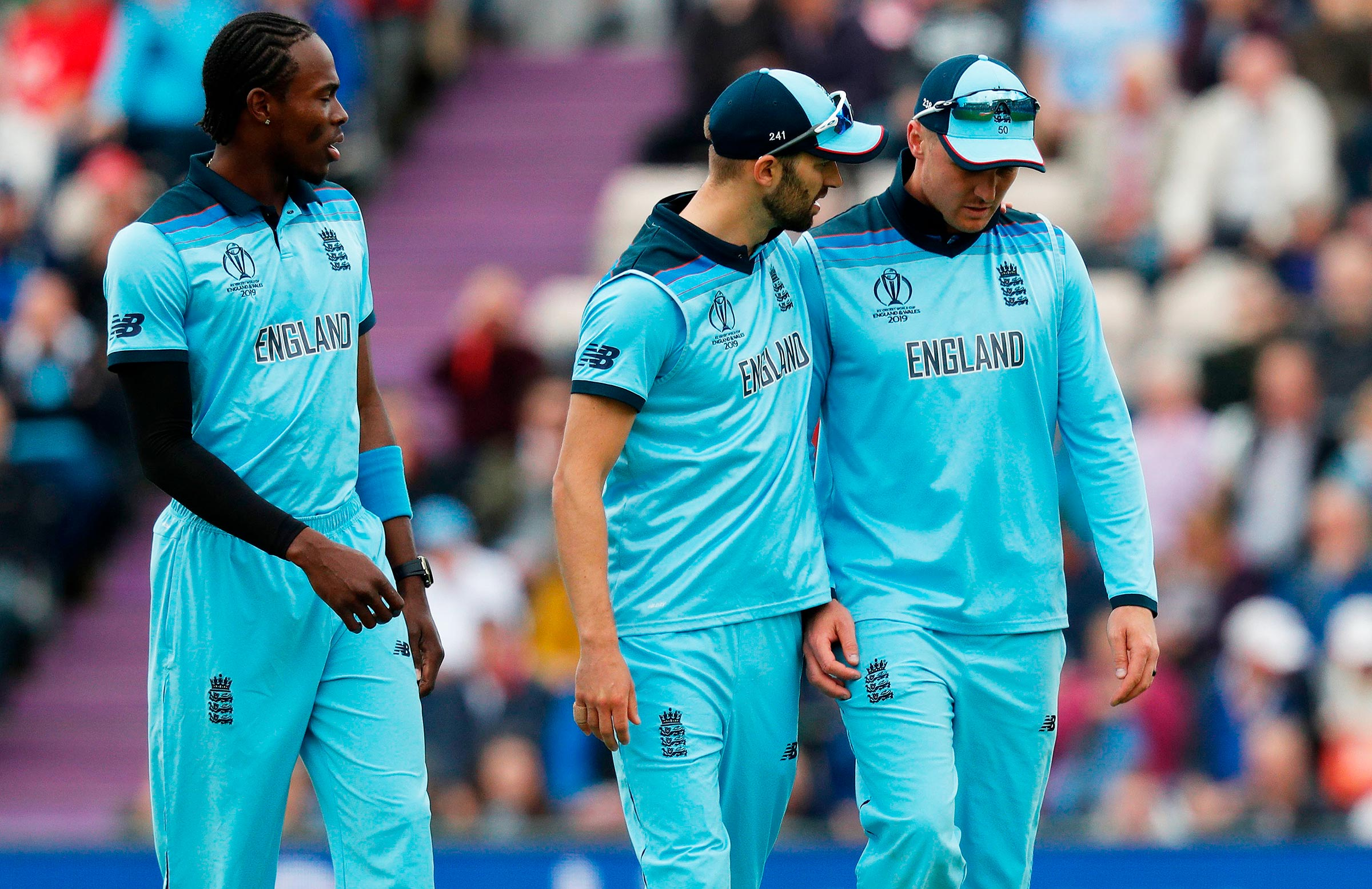 Wounded England wait to make call on XI