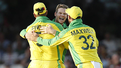 Smith's screamer, flying Guptill steal the show