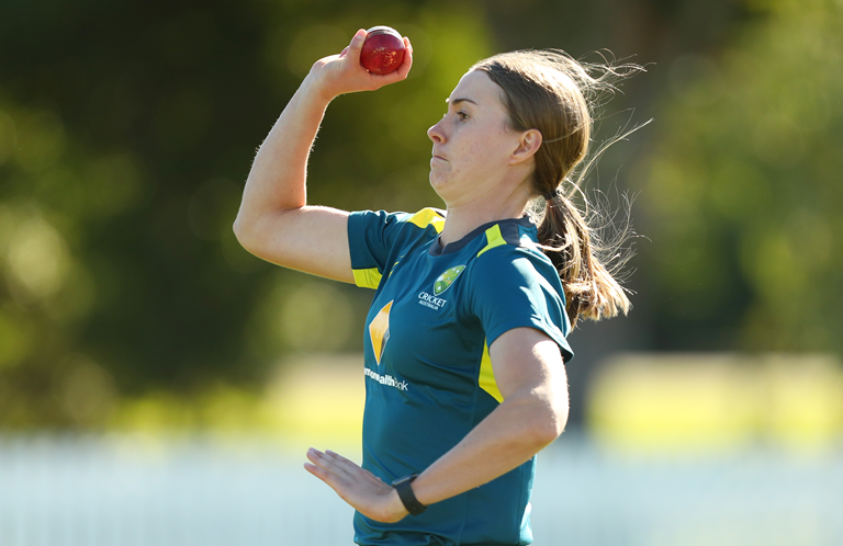 Tayla Vlaeminck has been compared to Pat Cummins by teammate Alyssa Healy // Getty