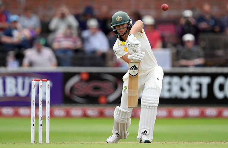 Healy-leads-strong-Aussie-start-to-Ashes-Test-still
