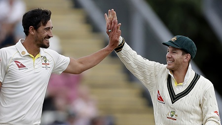 Day one wrap: Head fires before bowlers strike