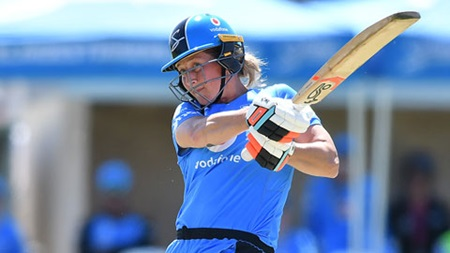 Devine continues  scintillating WBBL form