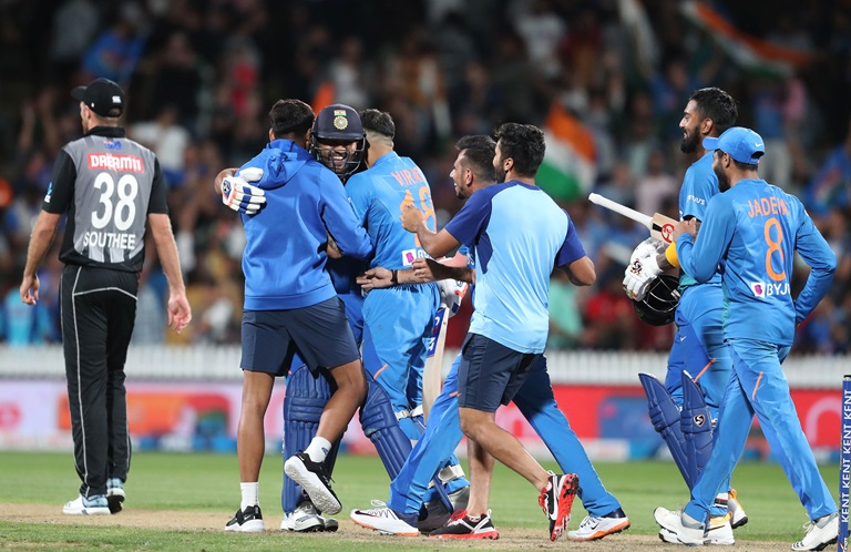 Rohit-man-breaks-Kiwi-hearts-in-another-Super-Over-still
