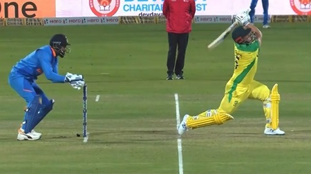 'You'd be ropeable': Finch dismissal sparks debate