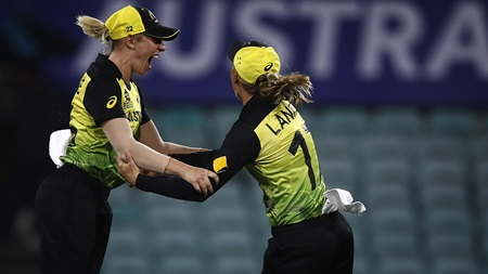 Eyes turn to final as Aussies win rain-affected thriller