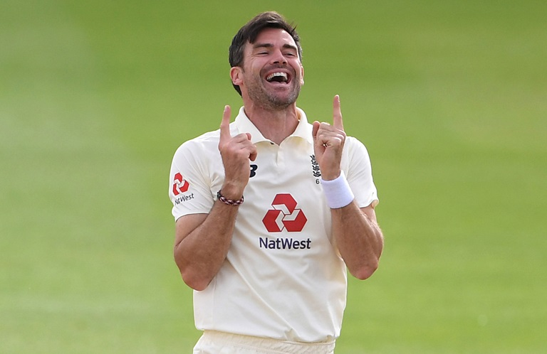 Anderson-claims-600th-scalp-in-waterlogged-drawn-third-Test-still