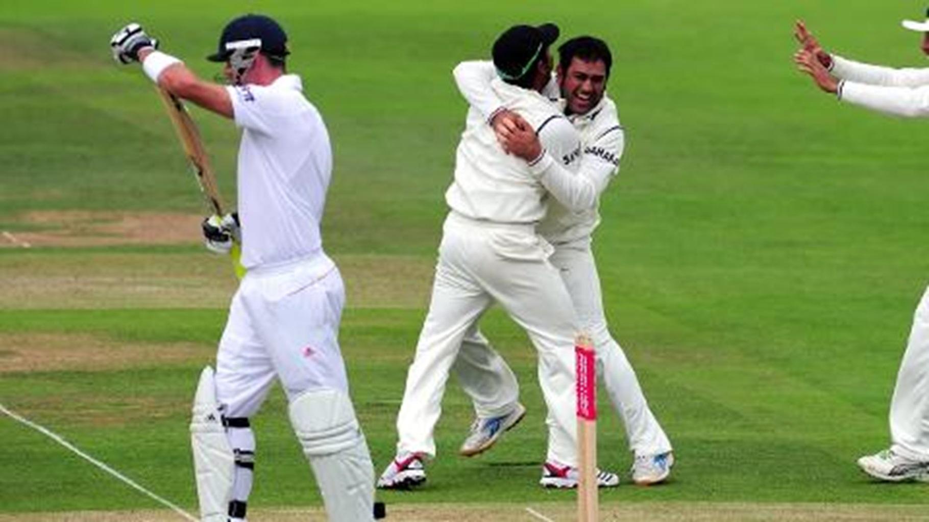 Dhoni's stinging riposte to KP 'sledge'