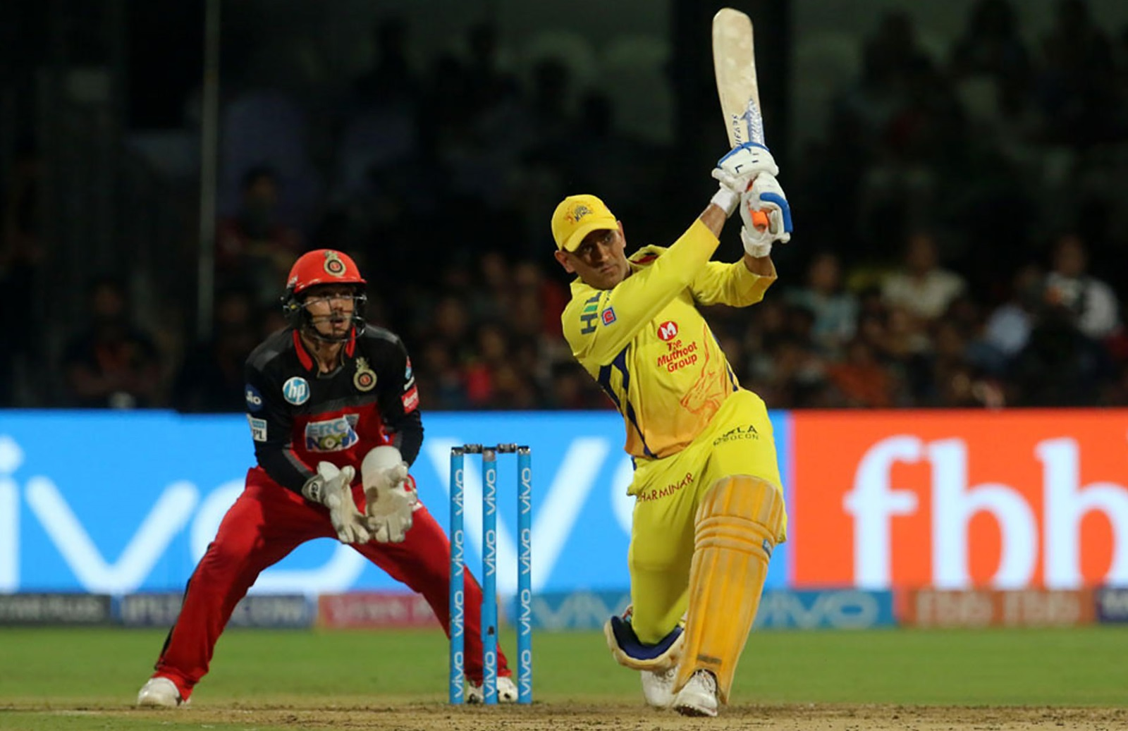 Dhoni Csk Reel In Mammoth Total Cricket Com Au