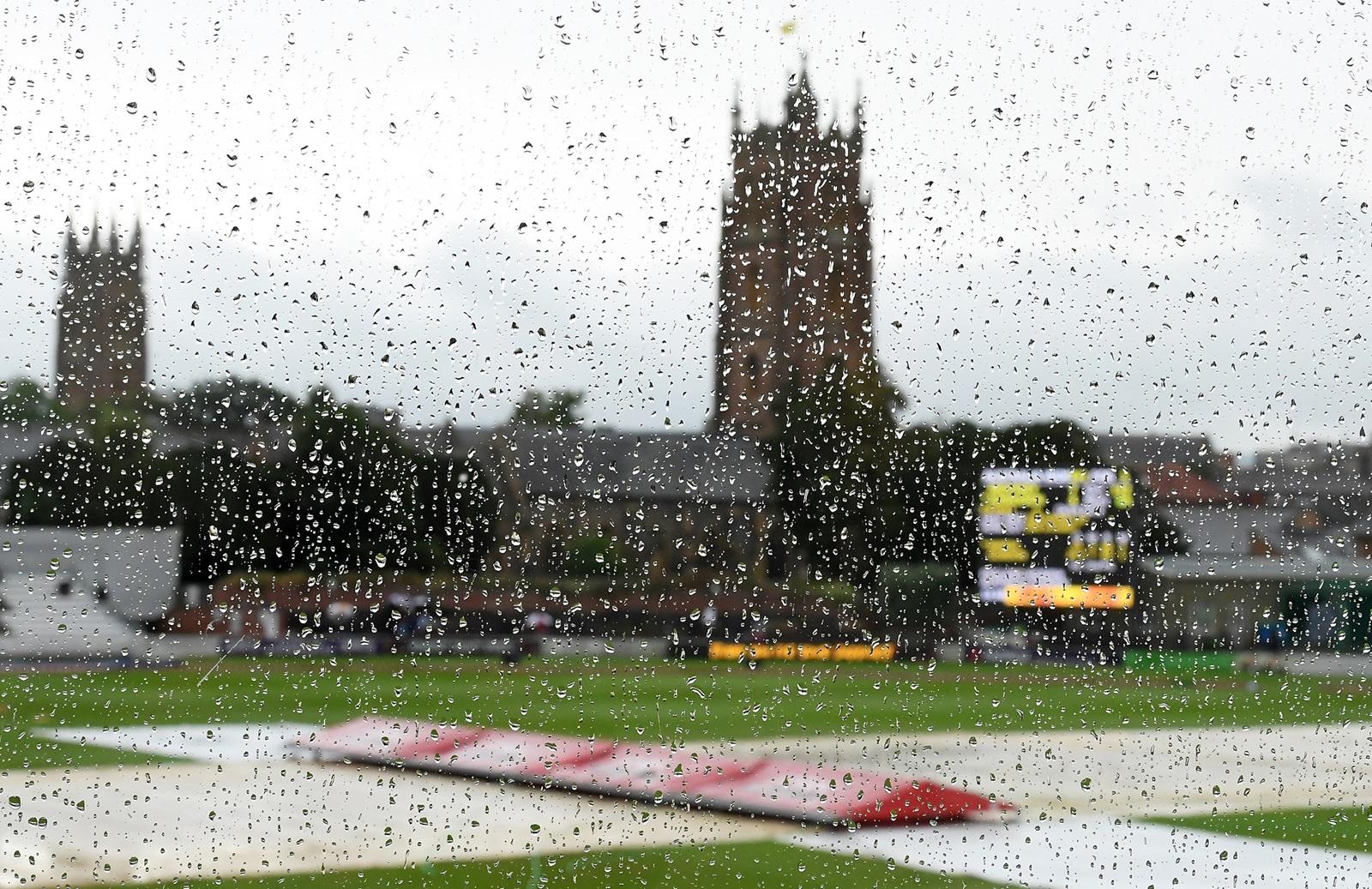 ashes cricket rain