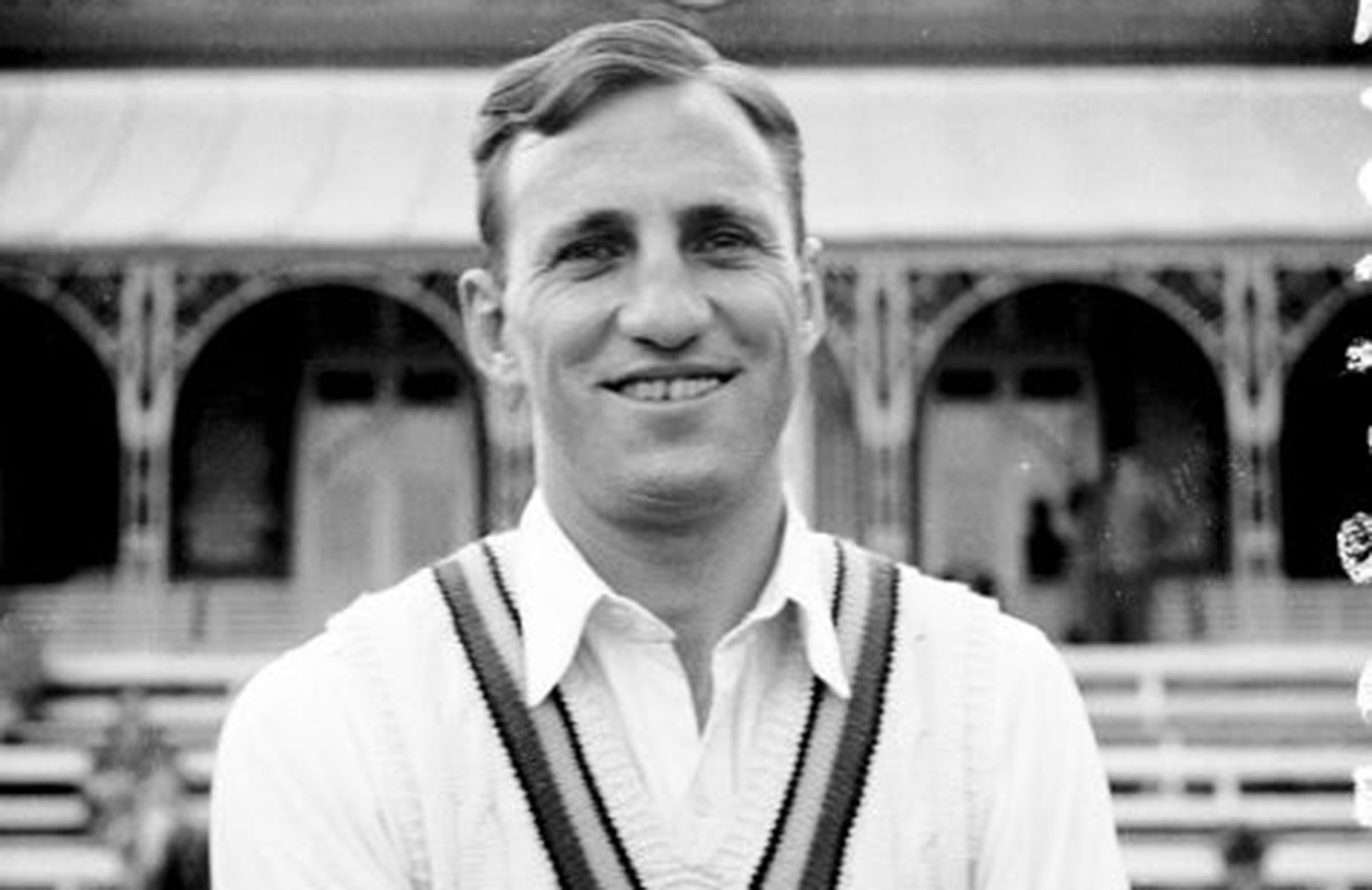 Hutton poses while playing for Yorkshire in 1947 // Getty