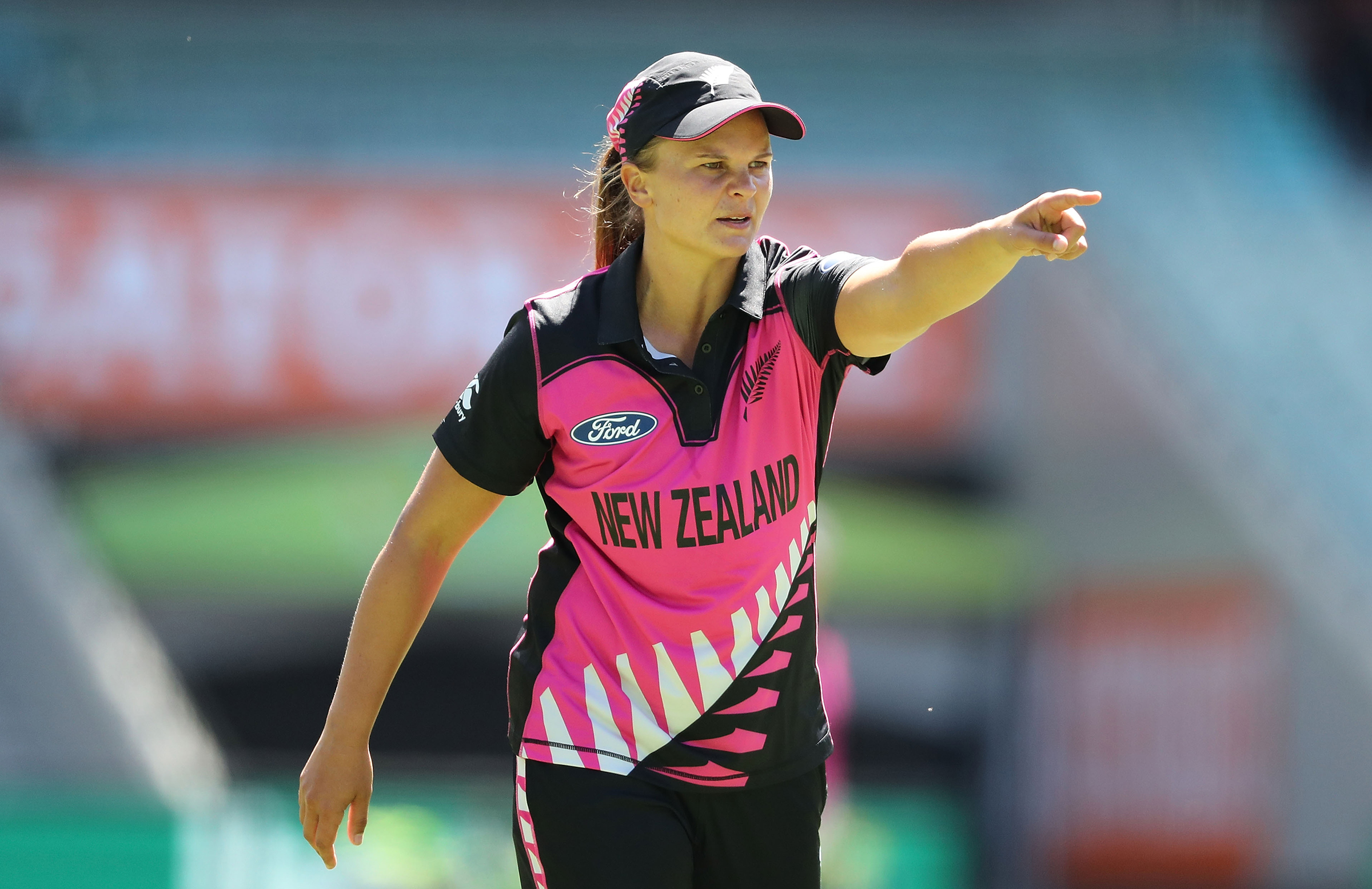 NZ captain Suzie Bates sets the field during the ICC World Cup // Getty