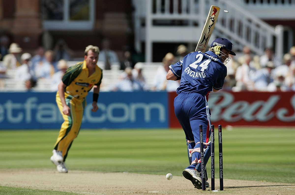 Brett Lee bowls Kevin Pietersen on his way to a five-fer at Lord's // Getty
